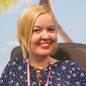 Lähikuvassa Palmuasema-blogin ylläpitäjä Sanna KAlmari